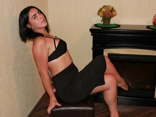 GennyRose - As im very shy im working here on this site just to have fun, bring people pisitive emotions and help  them to overcome their problems by talking. Sorry guys, no naked shows) please dont low my rating because of it)