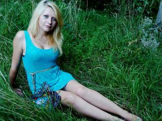 ChrisSit - belly dances and to write hot poems - Hello! I am nice blonde girl with very good imagination. In my room we can do many naughty things and be happy together. Im waiting for you. Kisses - Alter: 22 / Krebs - Alter: 170 / schlank - Geschlecht: weiblich - Ausrichtung: heterosexuell - Haare: blond / mittellang - Piercing: keins - Alter: B - Hautfarbe: weiss - Augen: blau - Rasur: teilrasiert