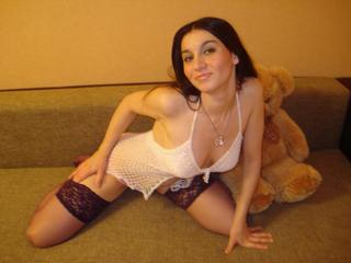 Arrianna - Hi in my show i have lots of underwear, different heels, toys, school girl uniform. I strip ,playing with myself, masturbate with a toy and cum with you.