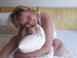 MILF CHANTAL - Fotografieren, Videos und Sex.